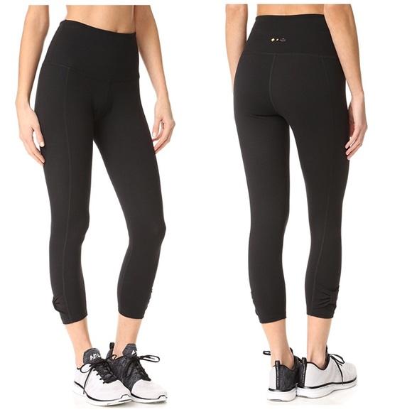 6fef275900e24 Beyond Yoga Pants   Kate Spade Side Bow Capri Leggings   Poshmark
